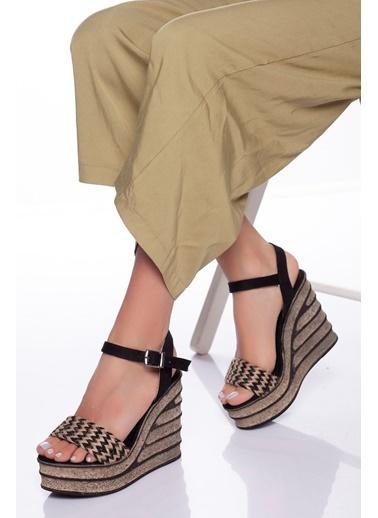 Derithy Derithy-Dolgu Topuklu Ayakkabı-Beyaz Siyah